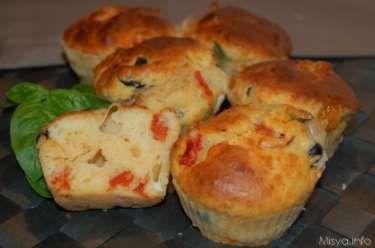 » Muffin salati provola e pomodorini Ricette di Misya - Ricetta Muffin salati provola e pomodorini di Misya
