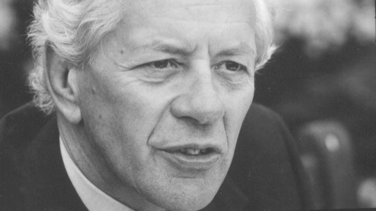 #Tony Garrett, tobacco industry leader, 1918-2017 - Financial Times: Financial Times Tony Garrett, tobacco industry leader, 1918-2017…