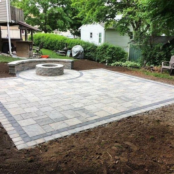 Visit Our Web Site For Even More Information On Patio Pavers Diy It Is An Outstan Patio Pavers Design Pavers Backyard Backyard Landscaping Designs