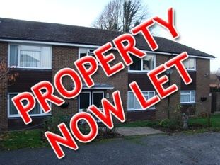 Two bedroom apartment, Lower Armour Road, Tilehurst.  Let within 1 day of advertising!