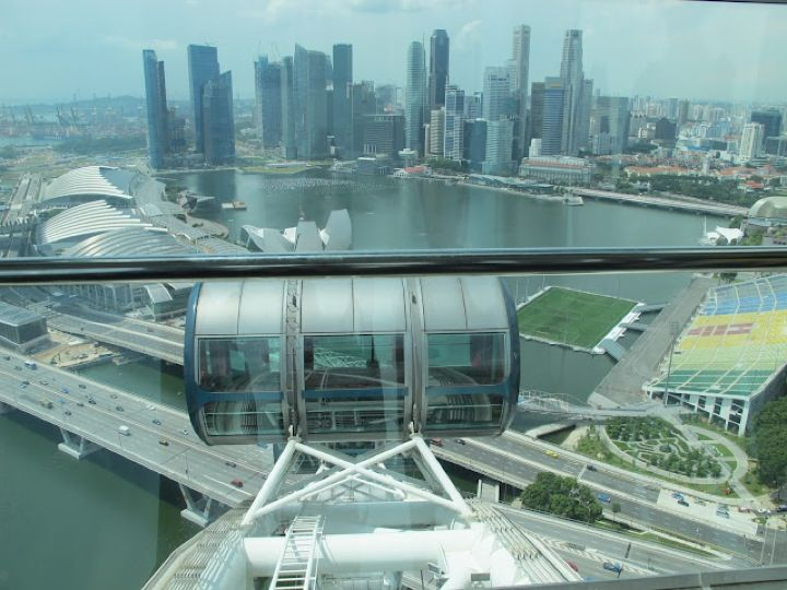 I really want to visit Singapur, the island and town state for its perfection, on my way to and from Australia flying Emirates all the way!