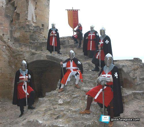 Durante todo el fin de semana la ciudad de Caspe se trasladará al siglo XV para conmemorar su histórico compromiso. Los trajes medievales de los caspolinos saldrán a relucir durante las representaciones del pacto celebrado en 1412 que solventó el problema de sucesión de la Corona de Aragón tras la muerte de Martín I El Humano.