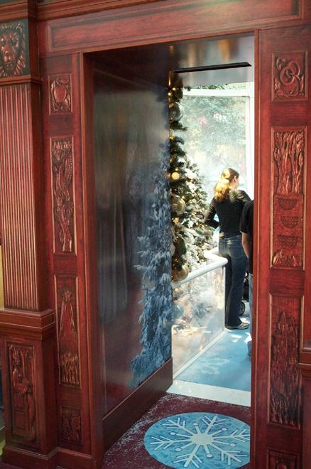 Narnia : open wardrobe | Mosaic Christmas | Pinterest ...