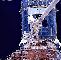 Hubble-avaruusteleskooppi – Wikipedia+ kuvia