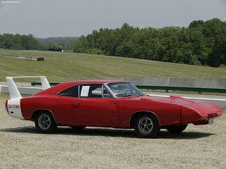 16 - Dodge Daytona 1969 - Vanessa