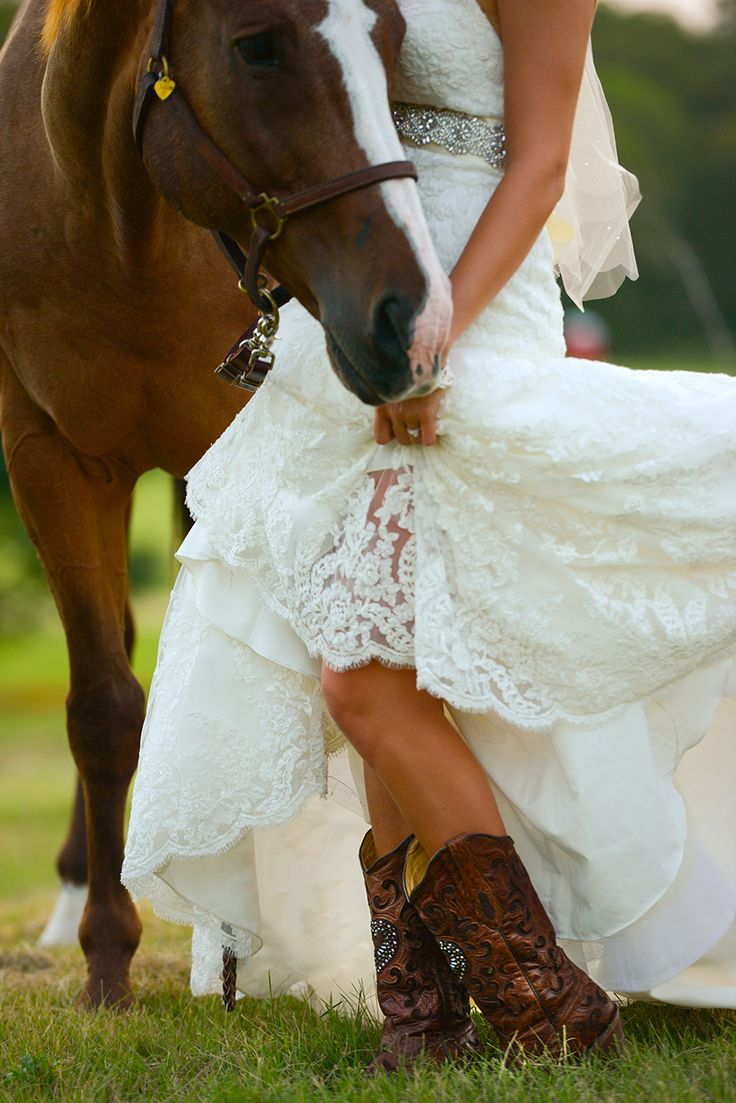 Unique outdoor bridal shoot with horses and cowboy boots