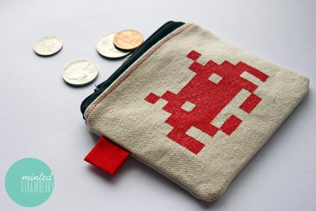 space-invaders-coin-purse