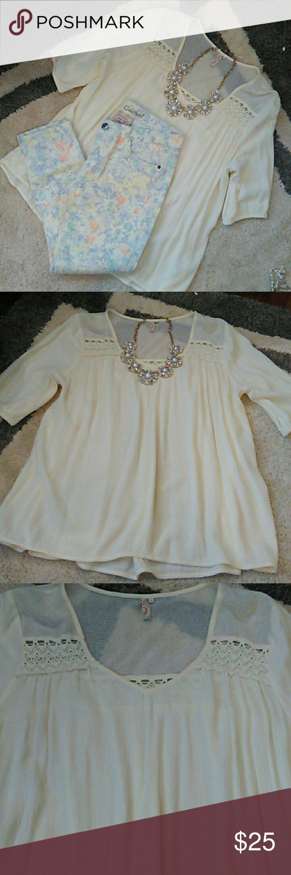 Babydoll hi/lo thin fabric tunic/ Belk's stores This top is absolutely gorgeous!! So cute!! Pics describe item. I will include necklace for additional $20. The necklace is a statement necklace paid $68 for. It's a heavy piece. Red Camel Tops Tunics