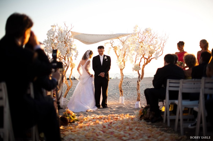 beautiful jewish wedding ceremony on the beach at the Hotel del Coronado: Wedding Ceremonies, Ideas, Beach Photos, Ceremonies Flower, Trees Branches, Beach Weddings, Wedding Aisles, Ceremonies Decor, Aisle Decor