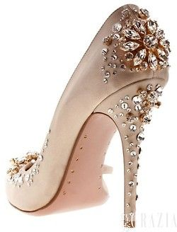 jeweled heel                                                                                                                                                                                 Mais