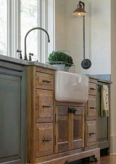 Love the farmhouse sink!