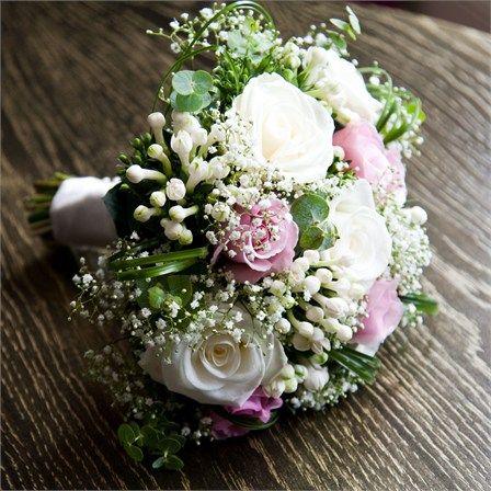wedding bouquets | Melissa & Oliver's Real Wedding - Wedding Flowers