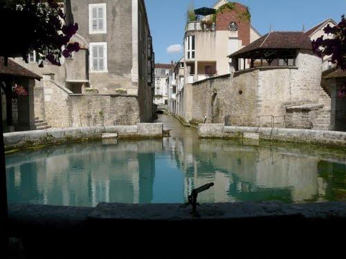 La Fosse Dionne, Tonnerre #yonne #bourgogne #france