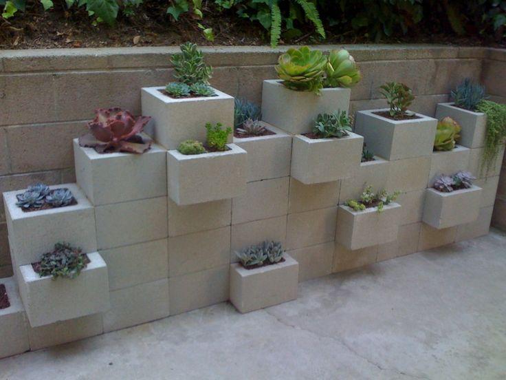cinderblock diy garden: Gardens Ideas, Living Wall, Cinder Block Garden, Gardens Wall, Cinderblock, Cinder Blocks, Herbs Garden, Retaining Wall, Block Gardens