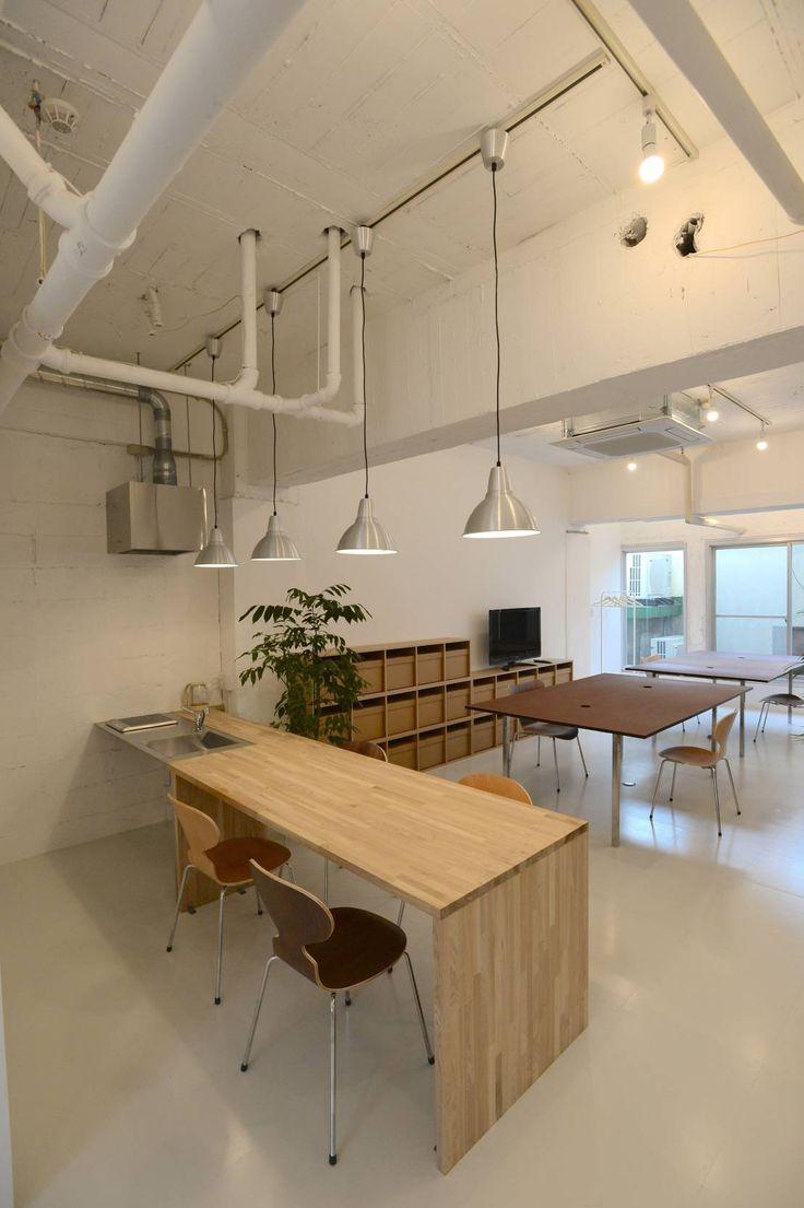 SHUSAKU MATSUDA & ASSOCIATES, ARCHITECTS の モダンな キッチン 若竹ビル の シェアオフィス | coworking space in 5th Avenue