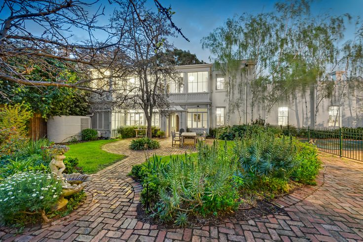 St Kilda - Abercromby's Real Estate