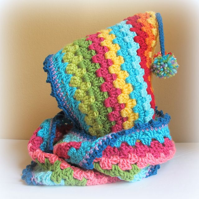 Hat and scarf all in one...color possibilities are endless :)   Free pattern on Ravelry -- LOVE this!