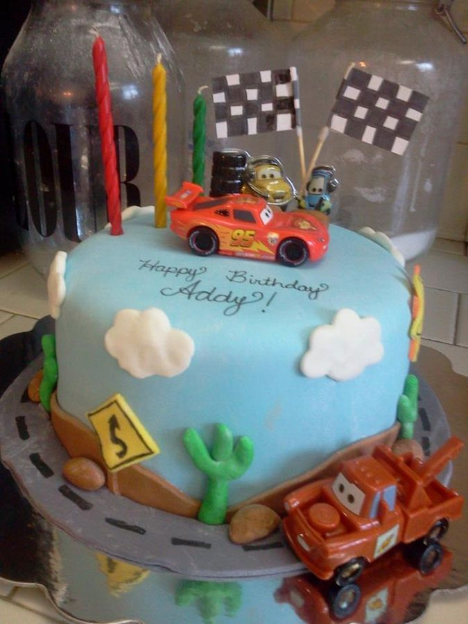 Mcqueen Car Cake Decoration : Cars Birthday Cake for a 3 year old girl that LOVES the ...