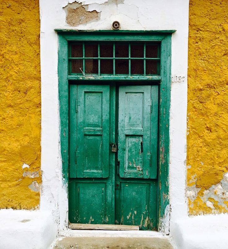 I have this thing for doors <3  #doors #hydra #greece #summer