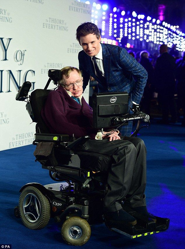 Eddie Redmayne with Professor Stephen Hawking at the UK premiere of The Theory of Everything