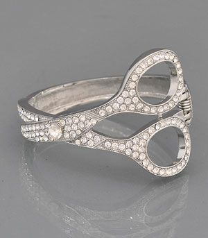 Pretty Cosmetologist jewelry! Scissors ring