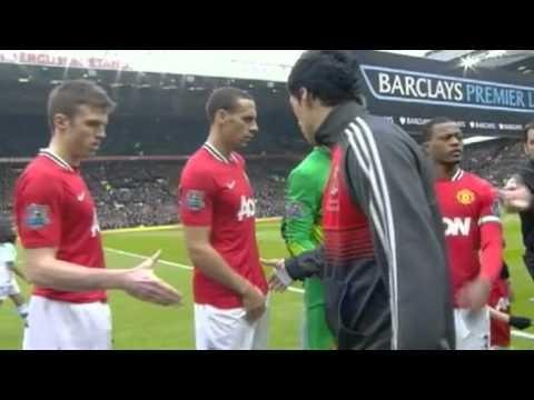 Les Manchester United - Liverpool ont toujours été chauds mais l'épisode Suarez - Evra aura été l'un des faits marquants le football cette année là.   Un bon footballeur ne peut s'empêcher ce genre de comportement sur le terrain ?