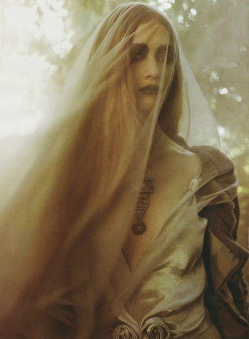 WitchesInspiration, Veils, Fantasy Photography, Halloween Hair, Gothic Art, Dark Eye Makeup, Corps Brides, Costumes Ideas, Fairies Tales