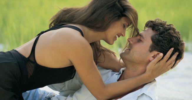 Aún existen muchas personas que piensan que las relaciones sexuales y el placer están estrechamente vinculados con la penetración, es decir, que es necesario que el pene entre a la vagina para que se provoque un orgasmo. Pero esta idea está muy lejos de la realidad. Si bien la penetración puede resultar por demás placentera, no es la única forma en que se puede disfrutar del acto sexual y ésta, no es sinónimo de orgasmo. Son muchas las razones por la que puedes optar por una relación sexual…