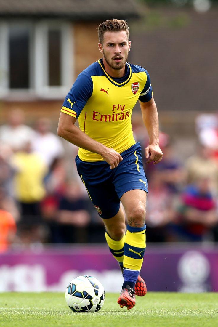 Aaron Ramsey poniéndose a tono con el Arsenal.