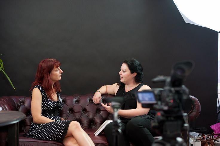 Carina Heckscher fortæller om at netværke på den gode måde i studiet hos SkabDigBare lige efter at hun har været på scene og holde foredrag på Iværk&Vækst CPH 2013.