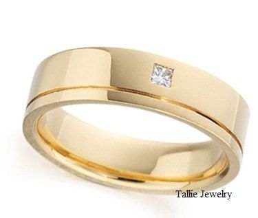 Mens 14k Yellow Gold Wedding Band Ring With Diamond