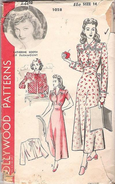 I've always loved the design of Hollywood pattern envelopes.