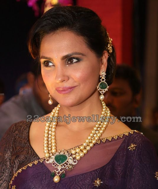 Lara Dutta Pearls Long Chain
