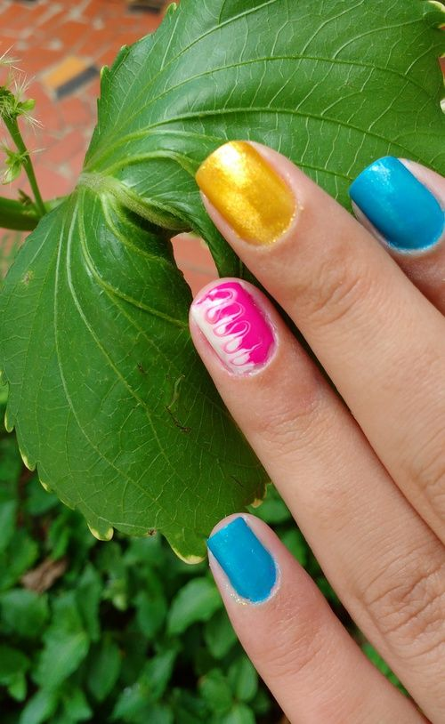 11 best Unhas images on Pinterest | Nail, Enamels and Bold stripes
