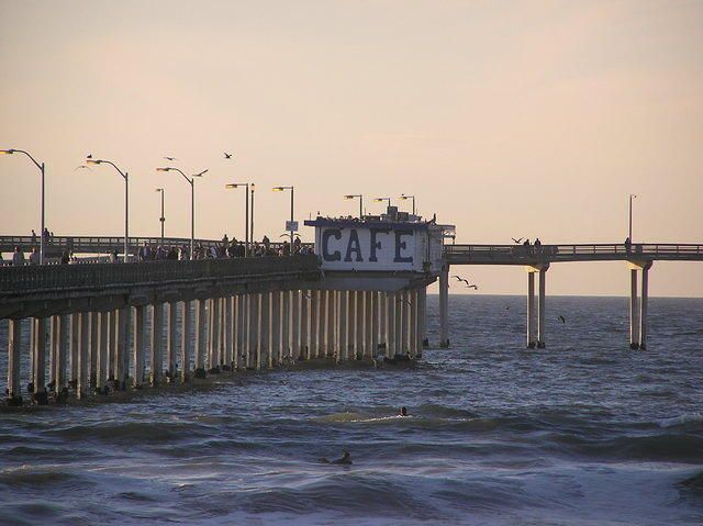 Ocean beach fishing pier and cafe san diego california for Crystal pier fishing