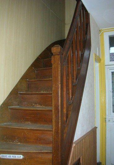 Escalier avant : Photo d'un escalier avant rénovation - Rénovation maison: Rénovation d'une maison en Île-de-France