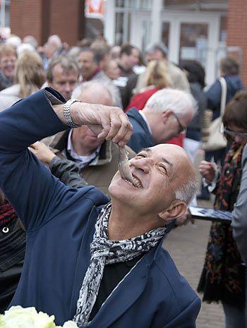 Fête du hareng à La Haye © www.vlaggetjesdag.com