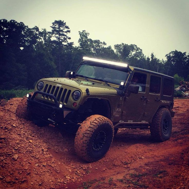 Jeep unlimited with led light bar