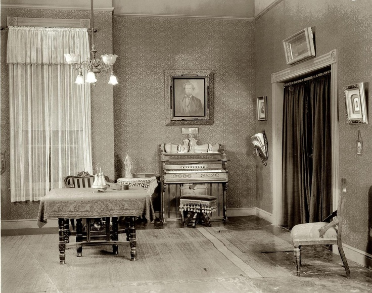 Apartment vintage interiors pinterest drawings for Bathroom ideas 1920s home