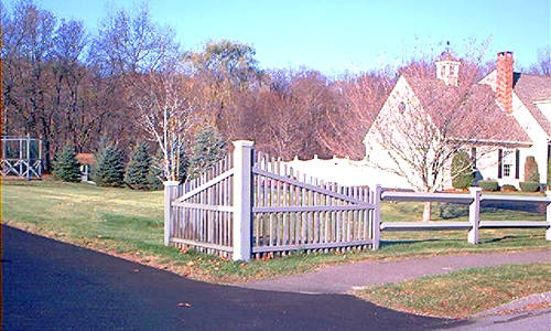 Types Of Front Garden Fencing: Fence Pictures Of Different Types, Configurations And For