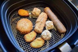 Is de Airfryer gezonder dan de frituurpan? Welke voordelen en nadelen zitten er aan? Een gezonde vergelijking van twee ongezonde apparaten lees je hier.