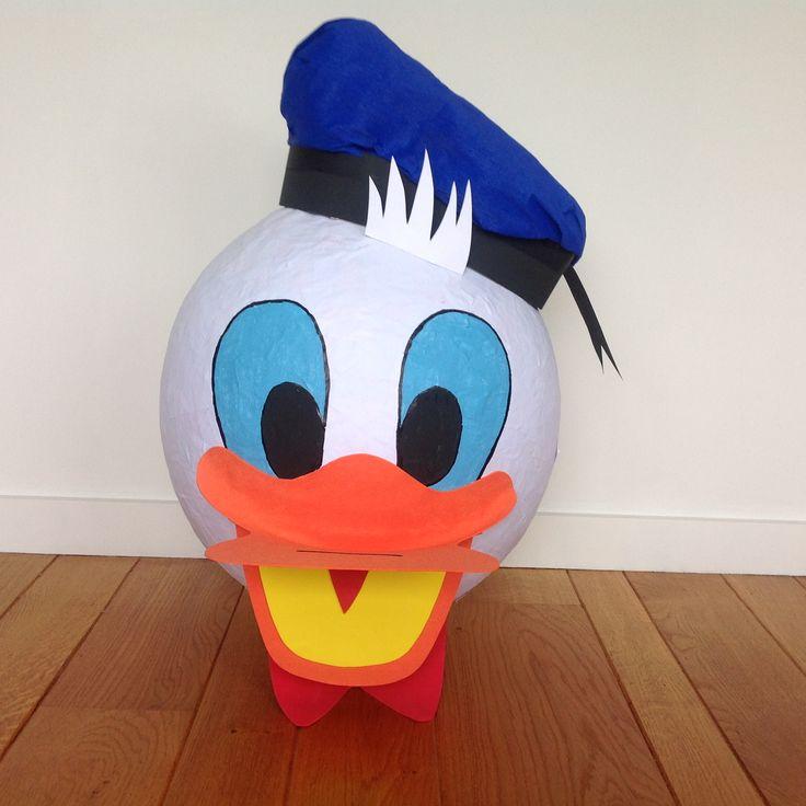 Donald Duck van papier mache