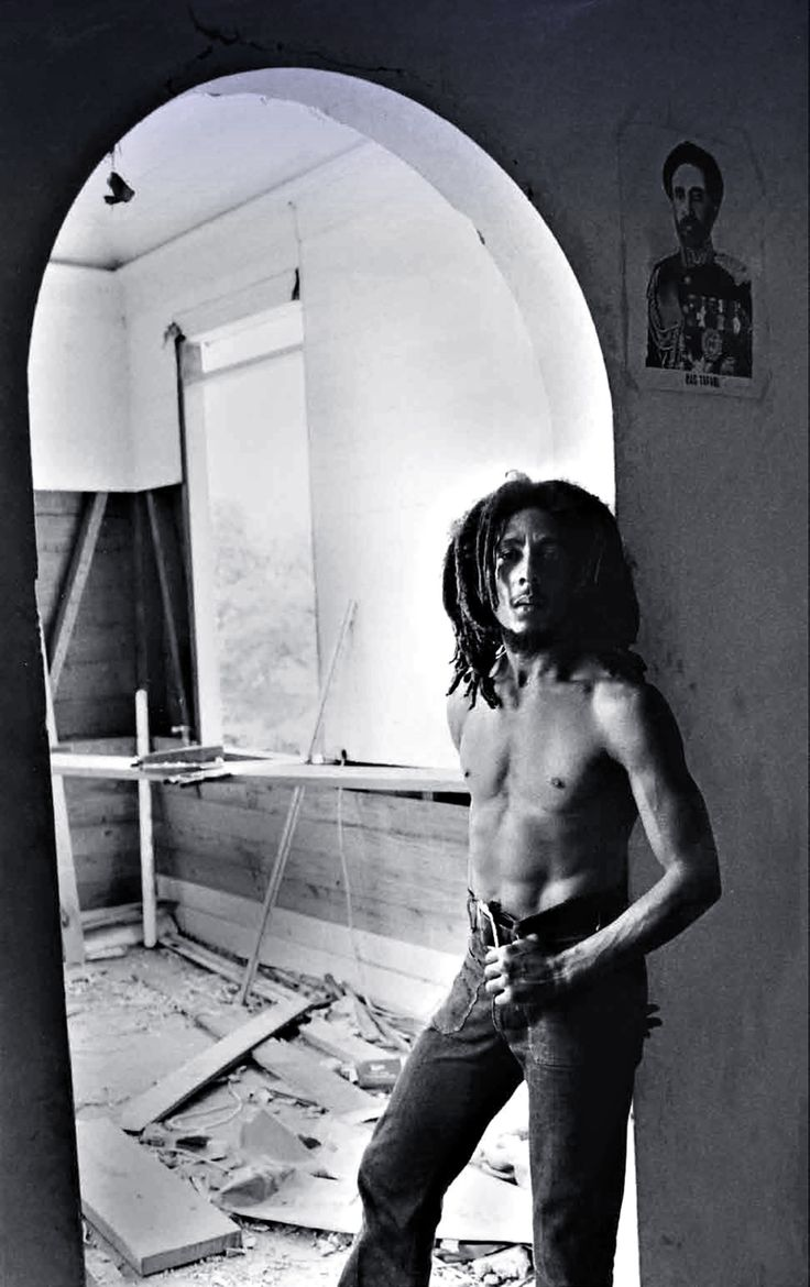 Bob Marley died at 36 from cancer that started in his big toe, 2 years prior.