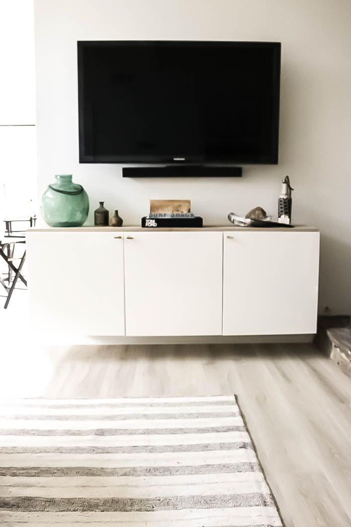 Holtwood Hipster California Casual Living Room