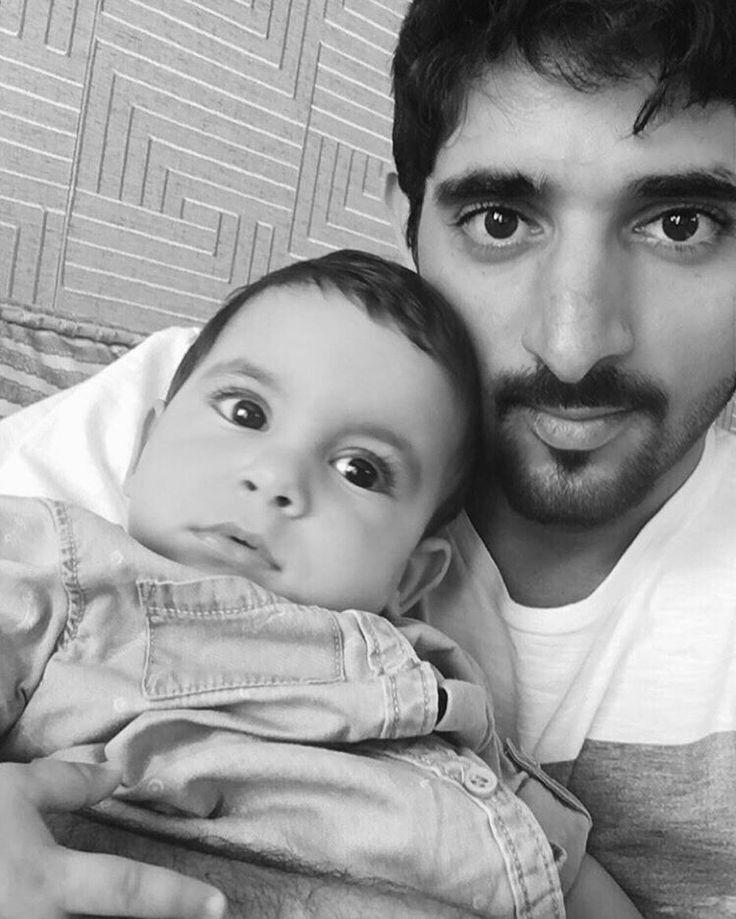 Maktoum bin Saeed bin Maktoum Al Maktoum con su primo, Hamdan bin Mohammed bin Rashid Al Maktoum, Londres, 18/07/2016. Vía: uncle_saeed