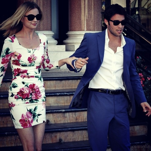 Picture perfect ootd and couple shot. I really want my man to wear something like this <3