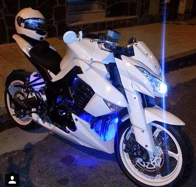 Girl U0026 Motorcycle. From Pomozmioddychac · This White Beast ❤️