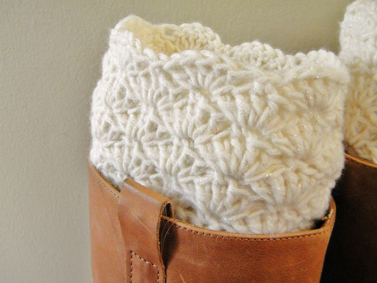 Boot Cuff - Cream- Crocheted..I want :( maybe I could convince someone to try and make them for me haha