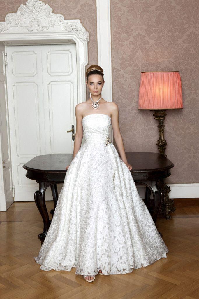 Model: Grace - Collezione Glamour di Gloria Saccucci Spose