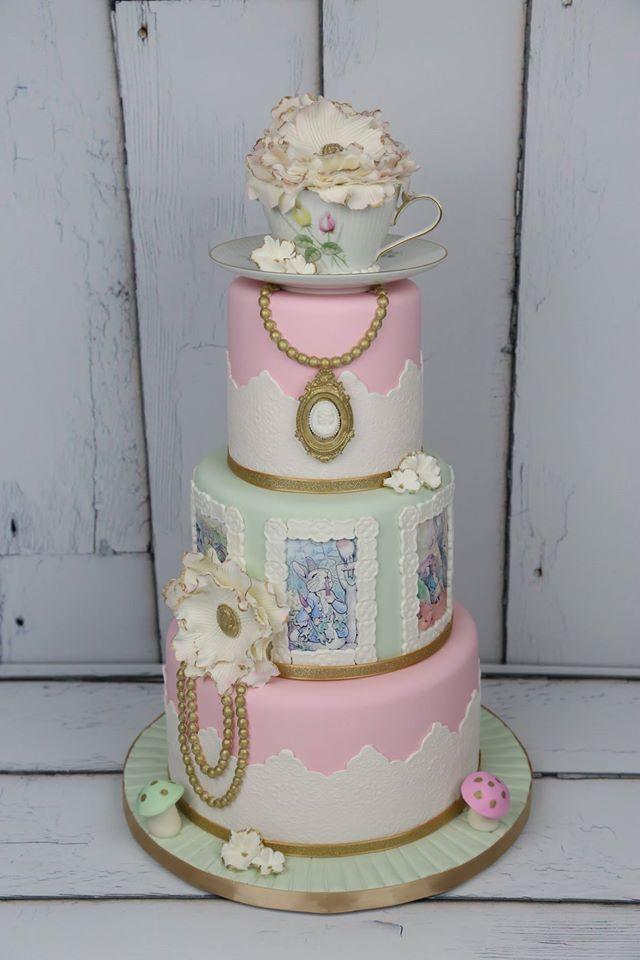 Tea party / Baby shower / Vintage Peter Rabbit Cake